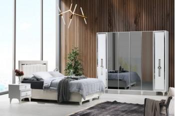 Berrak Bedroom